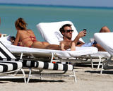 th_45191_Jesica_Cirio_Bikini_Candids_on_the_Beach_in_Miami_October_29_2012_18_122_187lo.jpg