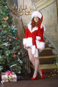 http://img181.imagevenue.com/loc235/th_253098581_silver_angels_Sandrinya_I_Christmas_1_003_123_235lo.jpg