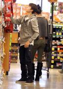 th 86228 Gomezlq5 123 239lo Selena Gomez   grocery shopping in Encino 01/14/12