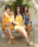 [IMG]http://img181.imagevenue.com/loc363/th_99979_celeb-city.org_Kim_Kardashian_Monte_Carlo_Television_Festival_06-10-2008_035_122_363lo.jpg[/IMG]
