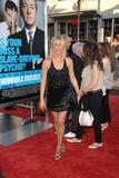 th_11637_JenniferAniston_HorribleBossespremiere_Hollywood_300611_034_122_381lo.jpg