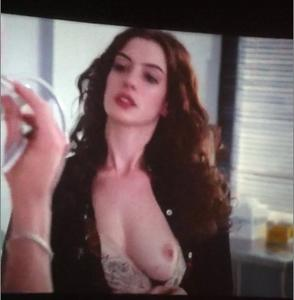 Gal gadot amp isla fisher hot scene - 2 7
