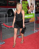 th_11490_JenniferAniston_HorribleBossespremiere_Hollywood_300611_023_122_429lo.jpg