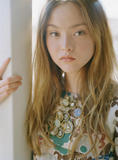 http://img181.imagevenue.com/loc460/th_90415_NBS_PS_DevonAoki4_122_460lo.jpg