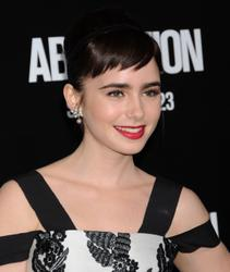 Лили Коллинз, фото 551. Lily Collins 'Abduction' Los Angeles Premiere at Grauman's Chinese Theatre on September 15, 2011 in Hollywood, California, foto 551