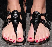REESE WITHERSPOON Th_366637489_Reese_Witherspoon_Feet_324577_123_523lo