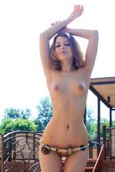http://img181.imagevenue.com/loc545/th_417142499_0028_123_545lo.jpg