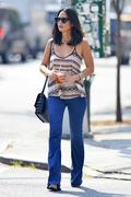 Olivia Munn in jeans out & about in New York 09/11/13 (HQ)